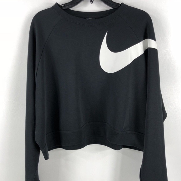 ecfe60eff8a2b NIKE Nike Black Dry Versa Training Crop Top